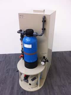 Manuell bedienbare Ionenaustauscher-Kompaktanlage zur Rückgewinnung von Edelmetallen aus schwach belasteten Spülwässern oder Teilströmen aus Produktionsabwässern